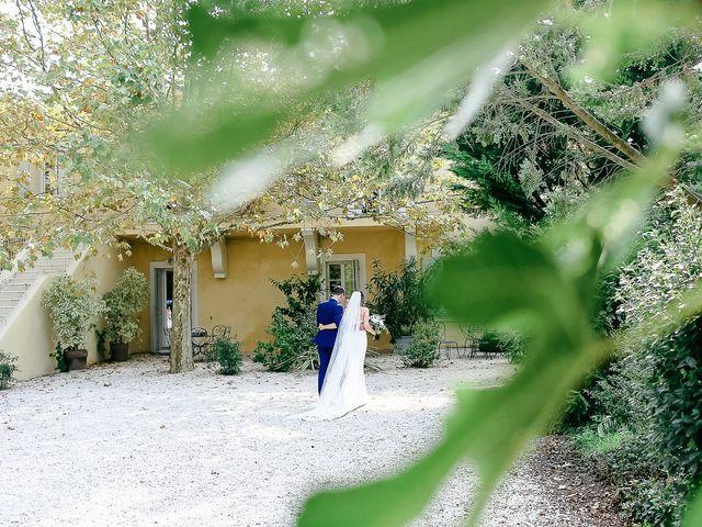 Le mariage de James et Victoria à Châteauneuf-de-Gadagne, Vaucluse 12