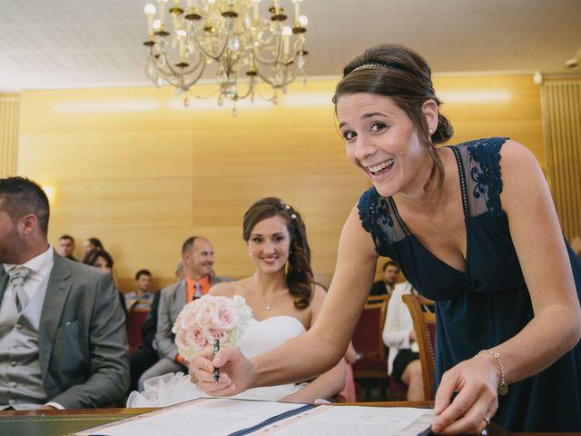 Le mariage de Xavier et Emilie à Saint-Aubin-de-Médoc, Gironde 33