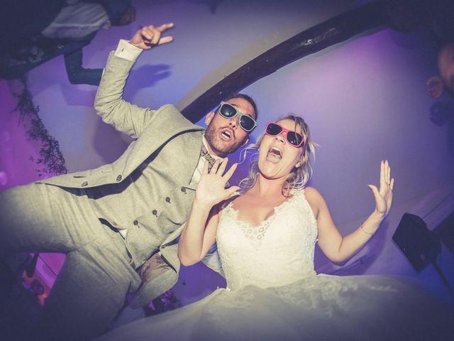 Le mariage de Vincent et Jessica à Grambois, Vaucluse 25