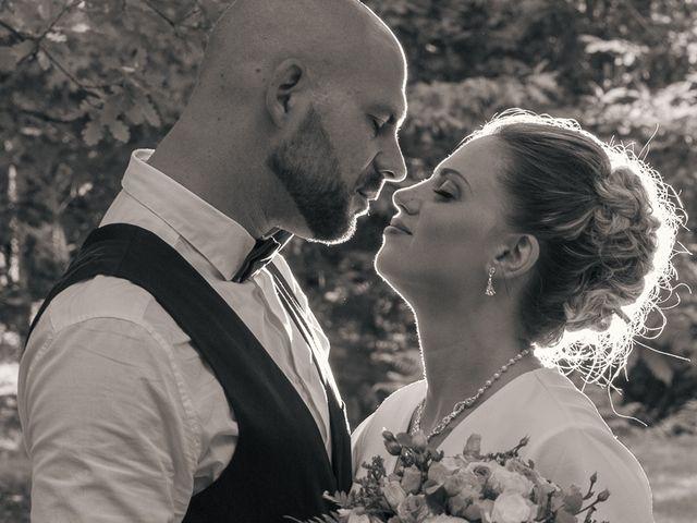 Le mariage de Jeason et Camille à Atur, Dordogne 10