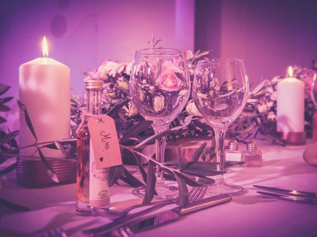 Le mariage de Vincent et Jessica à Grambois, Vaucluse 24