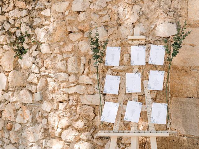 Le mariage de Thomas et Juliette à Rochefort-du-Gard, Gard 16