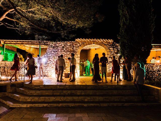 Le mariage de Thomas et Juliette à Rochefort-du-Gard, Gard 26