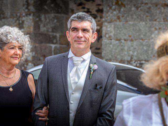 Le mariage de Loïc et Stéphanie à Saint-Salvadour, Corrèze 12