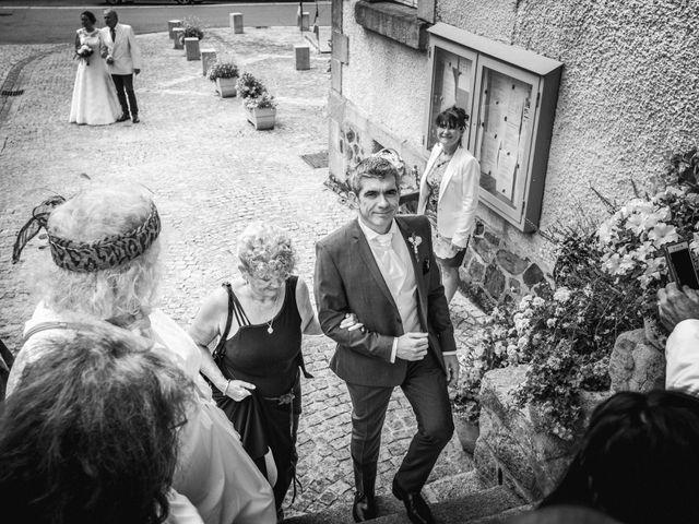 Le mariage de Loïc et Stéphanie à Saint-Salvadour, Corrèze 14