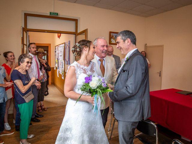 Le mariage de Loïc et Stéphanie à Saint-Salvadour, Corrèze 17