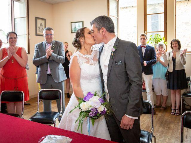 Le mariage de Loïc et Stéphanie à Saint-Salvadour, Corrèze 20
