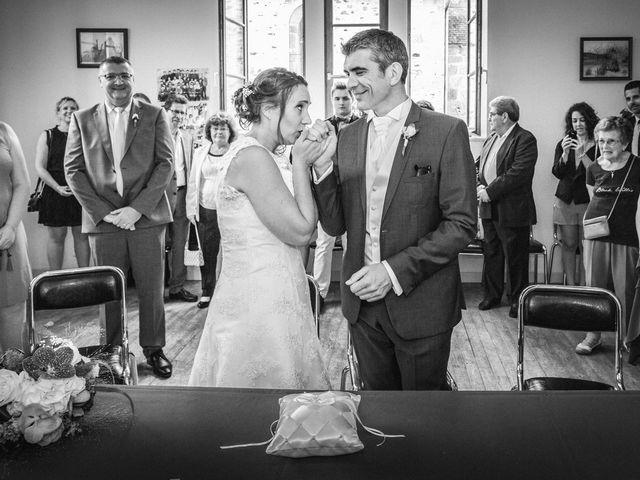 Le mariage de Loïc et Stéphanie à Saint-Salvadour, Corrèze 21