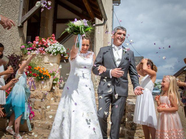 Le mariage de Loïc et Stéphanie à Saint-Salvadour, Corrèze 23