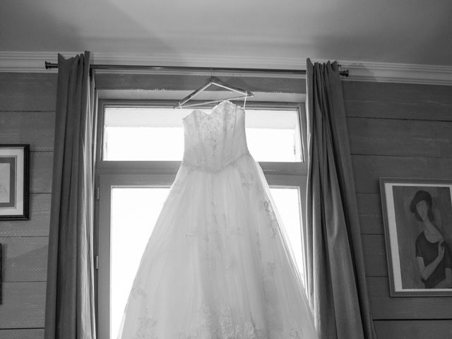 Le mariage de Chris et Mathilde à Chevillon, Yonne 5