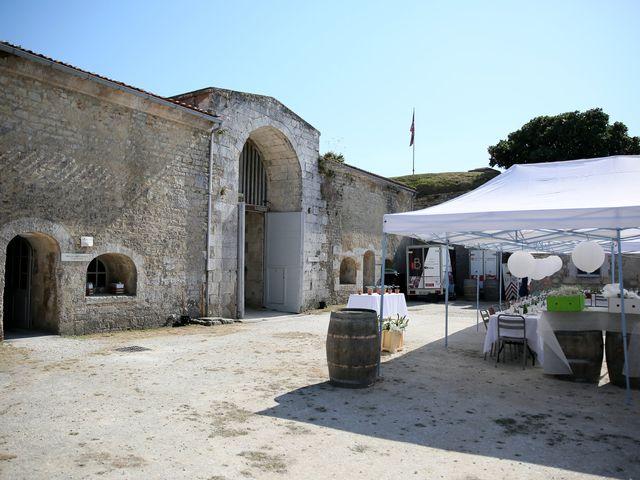 Le mariage de Erwan et Sandra à La Rochelle, Charente Maritime 74