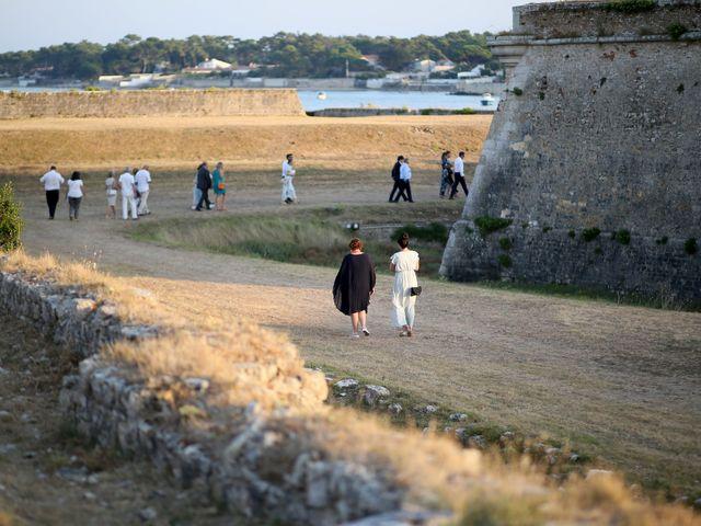 Le mariage de Erwan et Sandra à La Rochelle, Charente Maritime 97