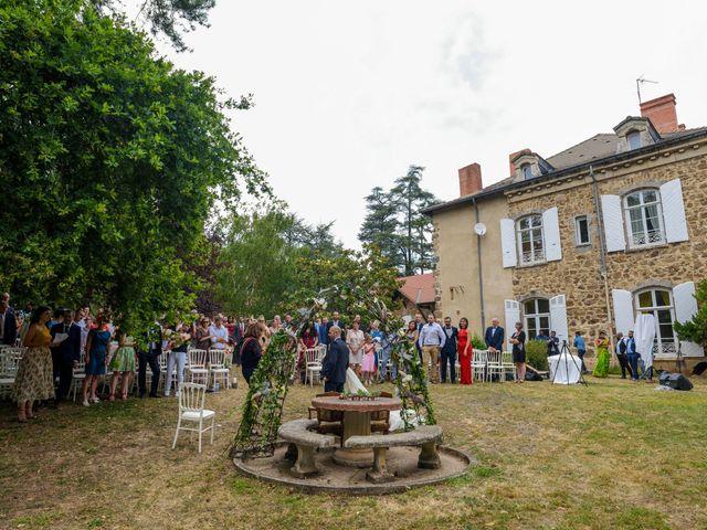 Le mariage de Sylvain et Anaïs à Roiffieux, Ardèche 31