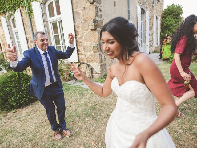 Le mariage de Sylvain et Anaïs à Roiffieux, Ardèche 59