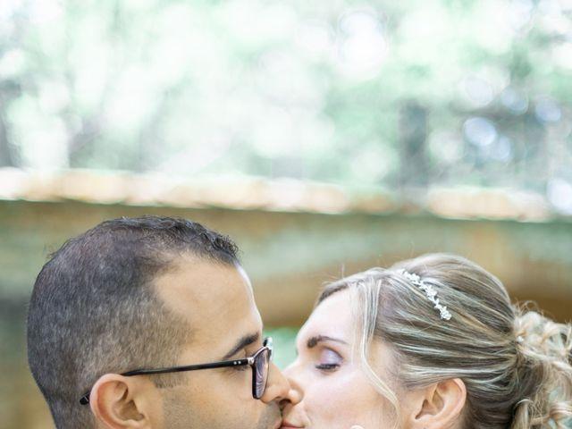 Le mariage de Aziz et Virginie à Chevannes, Yonne 18