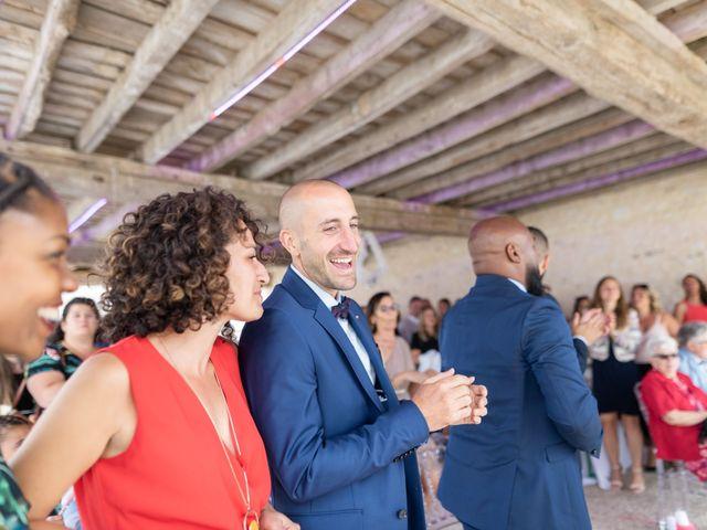 Le mariage de Aziz et Virginie à Chevannes, Yonne 29
