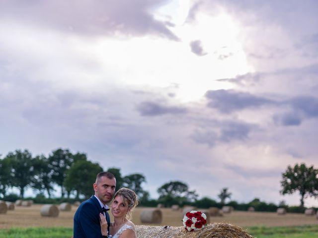 Le mariage de Cyril et Aurore à Vimoutiers, Orne 7
