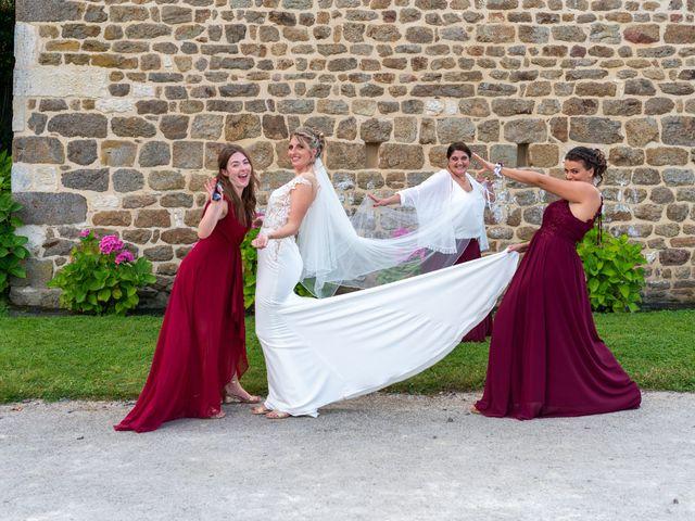 Le mariage de Cyril et Aurore à Vimoutiers, Orne 11