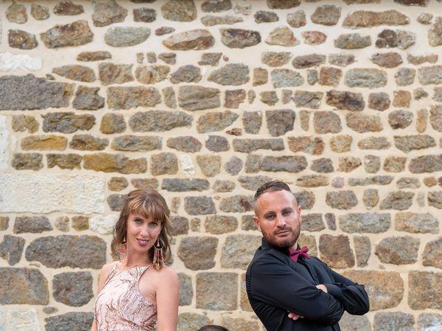 Le mariage de Cyril et Aurore à Vimoutiers, Orne 13