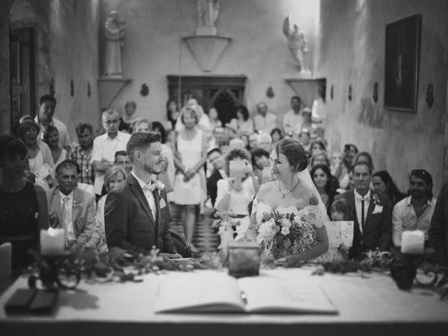 Le mariage de Damien et Marie à Fontienne, Alpes-de-Haute-Provence 32