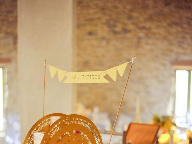 Le mariage de Damien et Marie à Fontienne, Alpes-de-Haute-Provence 56