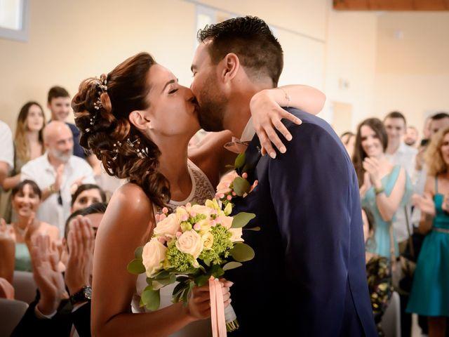 Le mariage de Julien et Marina à Trets, Bouches-du-Rhône 11