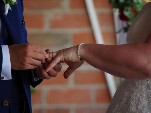 Le mariage de Kévin et Marie à Soignolles, Calvados 27