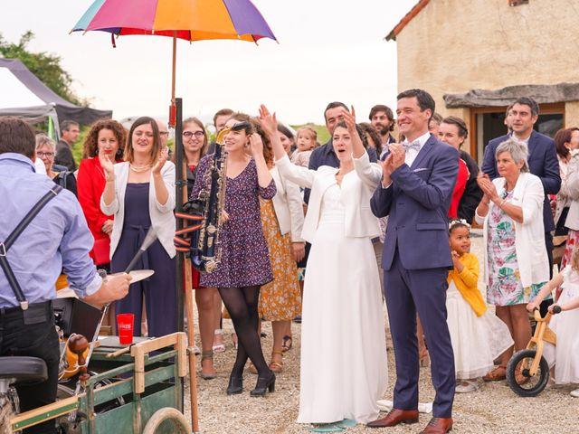 Le mariage de Julien et Mylène à La Fosse-de-Tigné, Maine et Loire 12