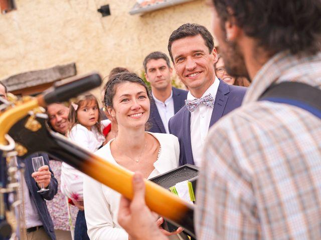 Le mariage de Julien et Mylène à La Fosse-de-Tigné, Maine et Loire 13