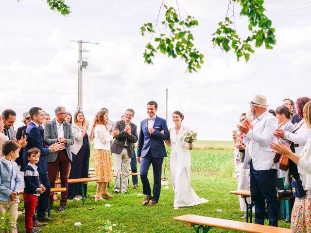 Le mariage de Julien et Mylène à La Fosse-de-Tigné, Maine et Loire 23