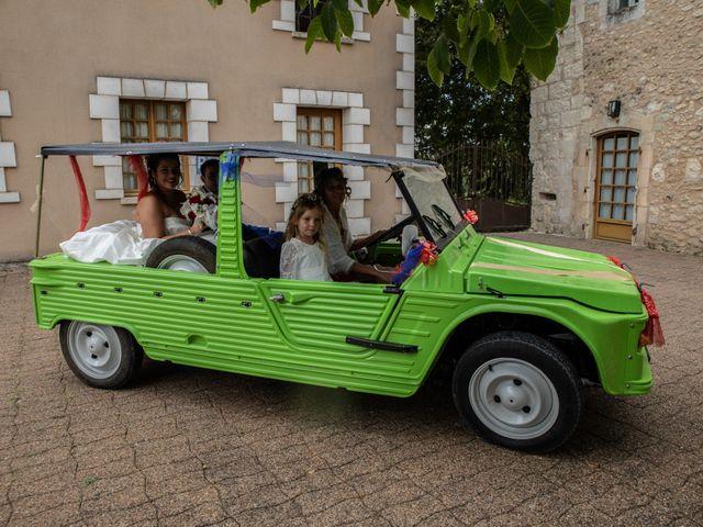 Le mariage de Mickaël et Déborah à Saint-Léon-sur-l'Isle, Dordogne 21