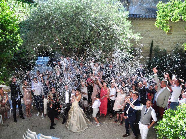 Le mariage de Sébastien et Audrey à Vers-Pont-du-Gard, Gard 12