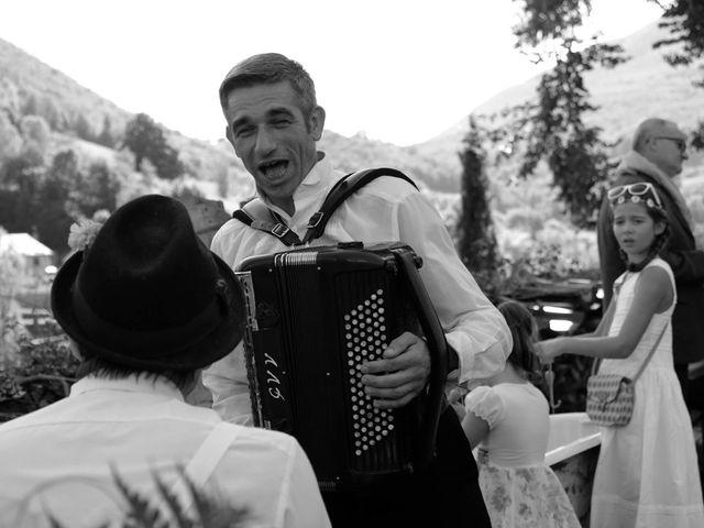 Le mariage de Laurent et Emmanuelle à Alos, Ariège 23