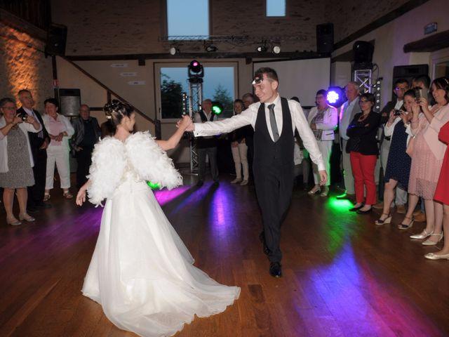 Le mariage de Virginie et Florian à Durtal, Maine et Loire 36