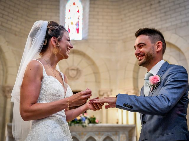 Le mariage de Jonathan et Coralie à Saint-Julien-l'Ars, Vienne 57