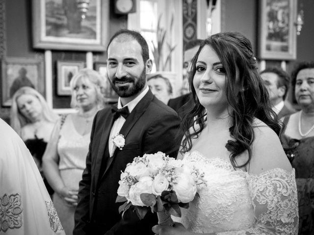 Le mariage de Takis et Frangiska à Paris, Paris 13