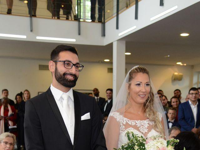 Le mariage de Emilie et Jean-Paul à Maurepas, Yvelines 32
