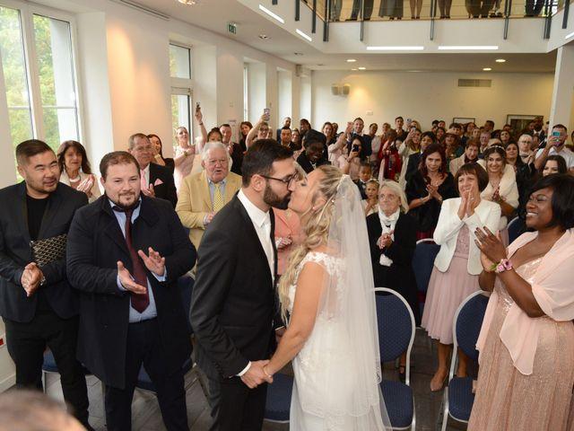 Le mariage de Emilie et Jean-Paul à Maurepas, Yvelines 35