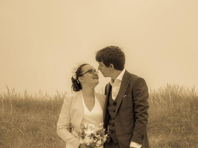 Le mariage de Guillaume et Iris à Landéda, Finistère 15