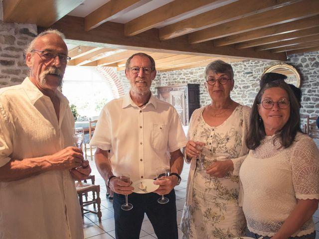 Le mariage de Guillaume et Iris à Landéda, Finistère 34