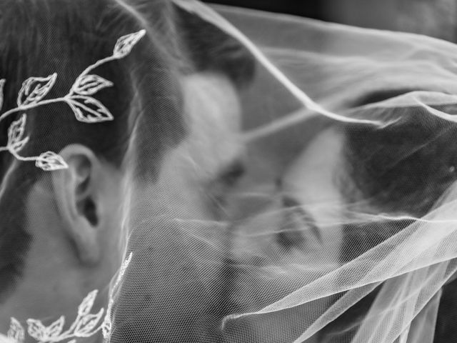 Le mariage de Daniel et Emma à Lançon-Provence, Bouches-du-Rhône 12