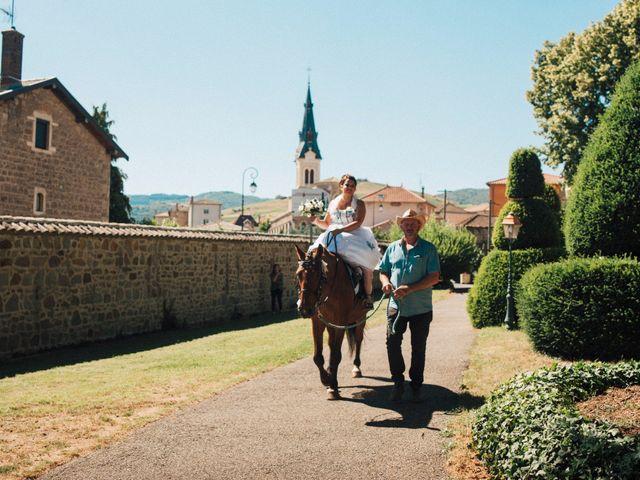 Le mariage de Mathieu et Delphine à Le Perréon, Rhône 5