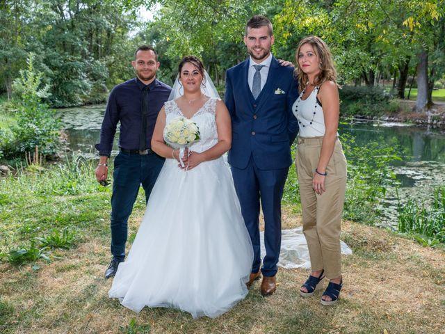 Le mariage de Benjamin et Ana à Mehun-sur-Yèvre, Cher 10