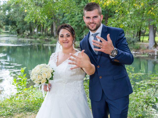 Le mariage de Benjamin et Ana à Mehun-sur-Yèvre, Cher 11