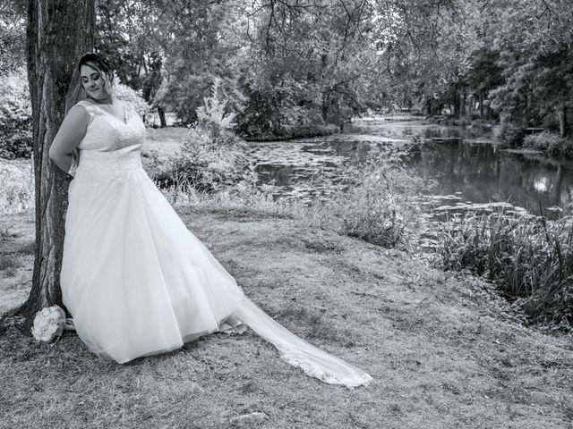 Le mariage de Benjamin et Ana à Mehun-sur-Yèvre, Cher 13