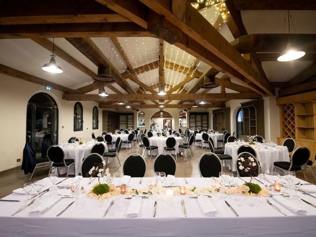 Le mariage de Antonin et Alexia à Bourg-lès-Valence, Drôme 33
