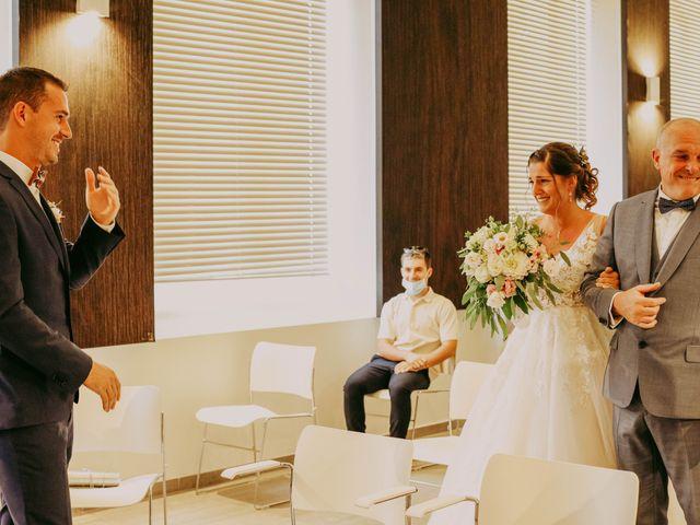 Le mariage de Guillaume et Amandine à Grans, Bouches-du-Rhône 7