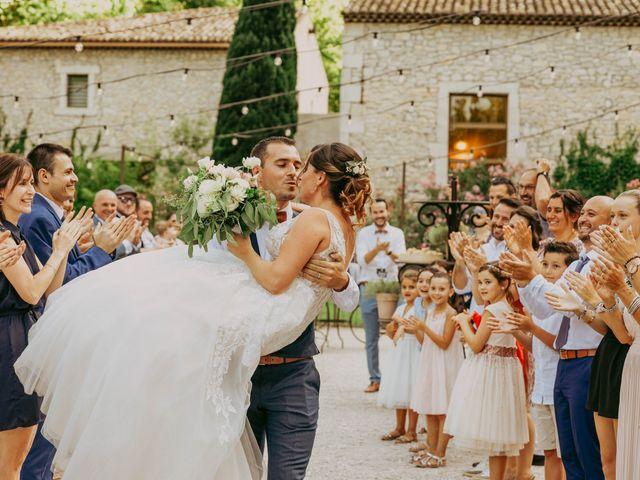 Le mariage de Guillaume et Amandine à Grans, Bouches-du-Rhône 16