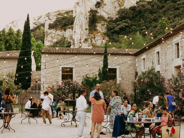 Le mariage de Guillaume et Amandine à Grans, Bouches-du-Rhône 21