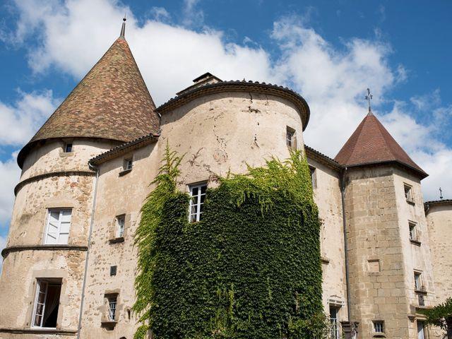 Le mariage de Jean-Philippe et Claire à Saint-Dier-d'Auvergne, Puy-de-Dôme 8